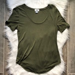 WOMENS OLD NAVY ARMY GREEN TEE